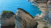 vista previa del artículo Una historia sin precedentes, Isla en Venta
