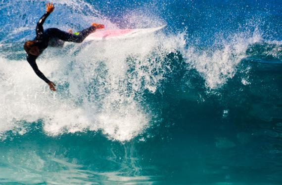 Surfer en aguas de Tenerife
